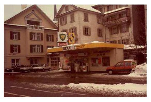 /Geschichte/RenaultBPGrabenstrasseZug.png